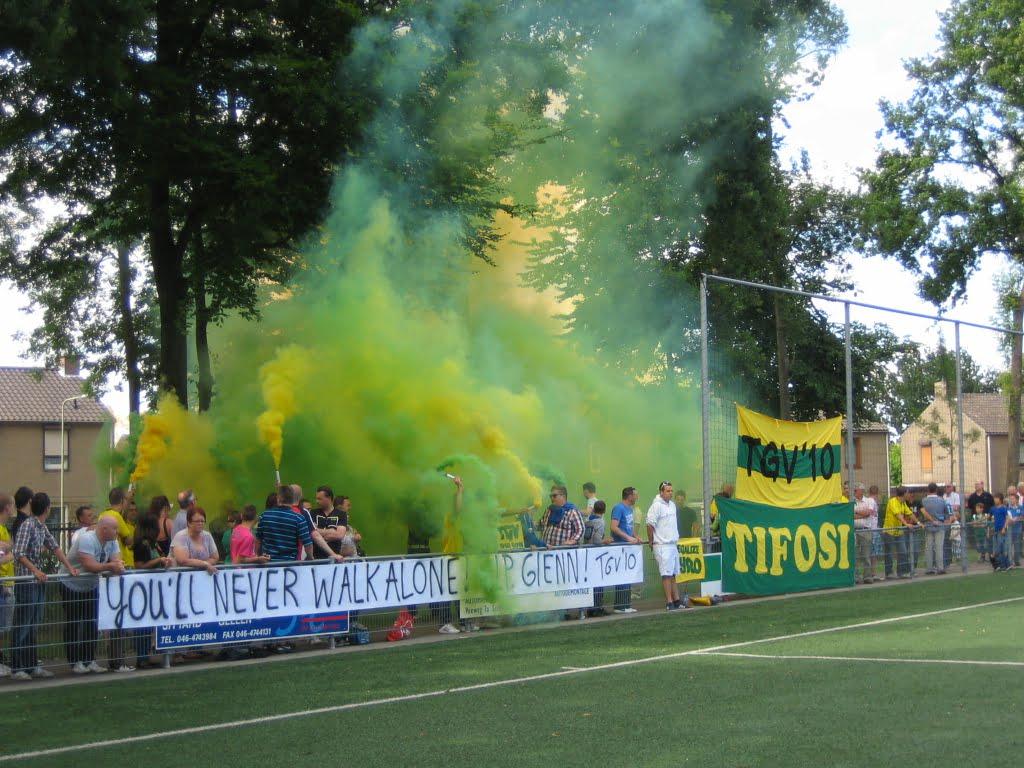 Duels tegen Aris, PAOK en Bayer