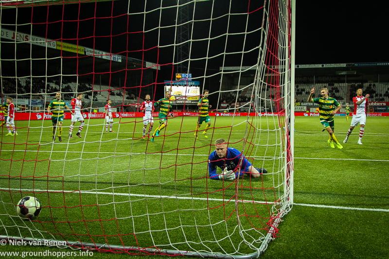 Verplichte buscombi naar FC Emmen