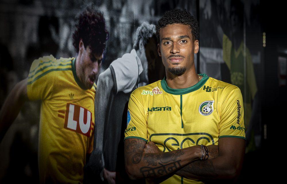 Martin Angha tekent contract